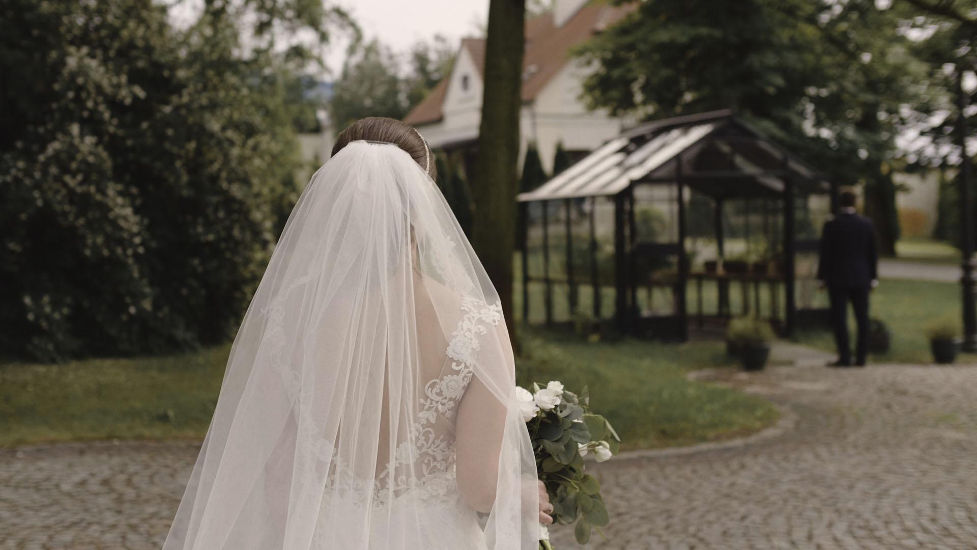 31 ślub kościelny w plenerze