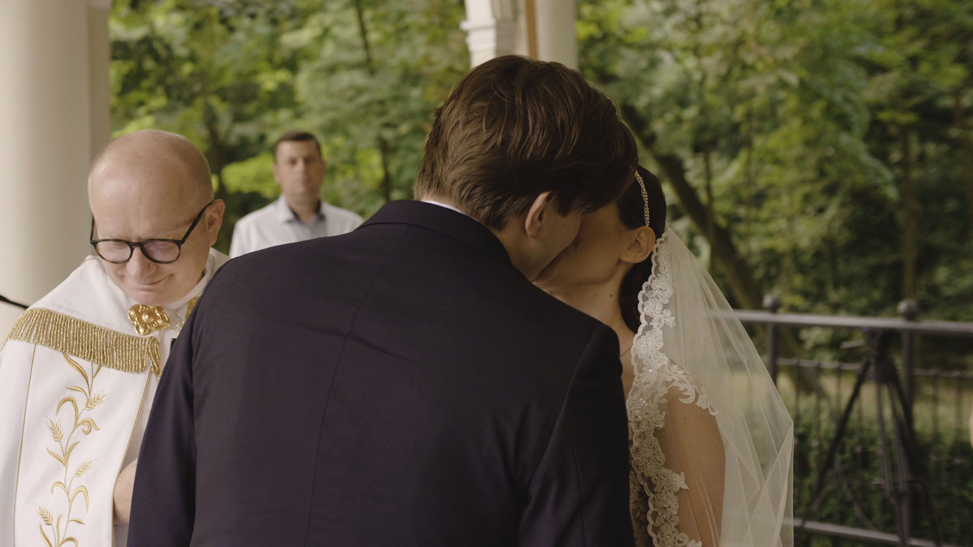 38 ślub kościelny w plenerze