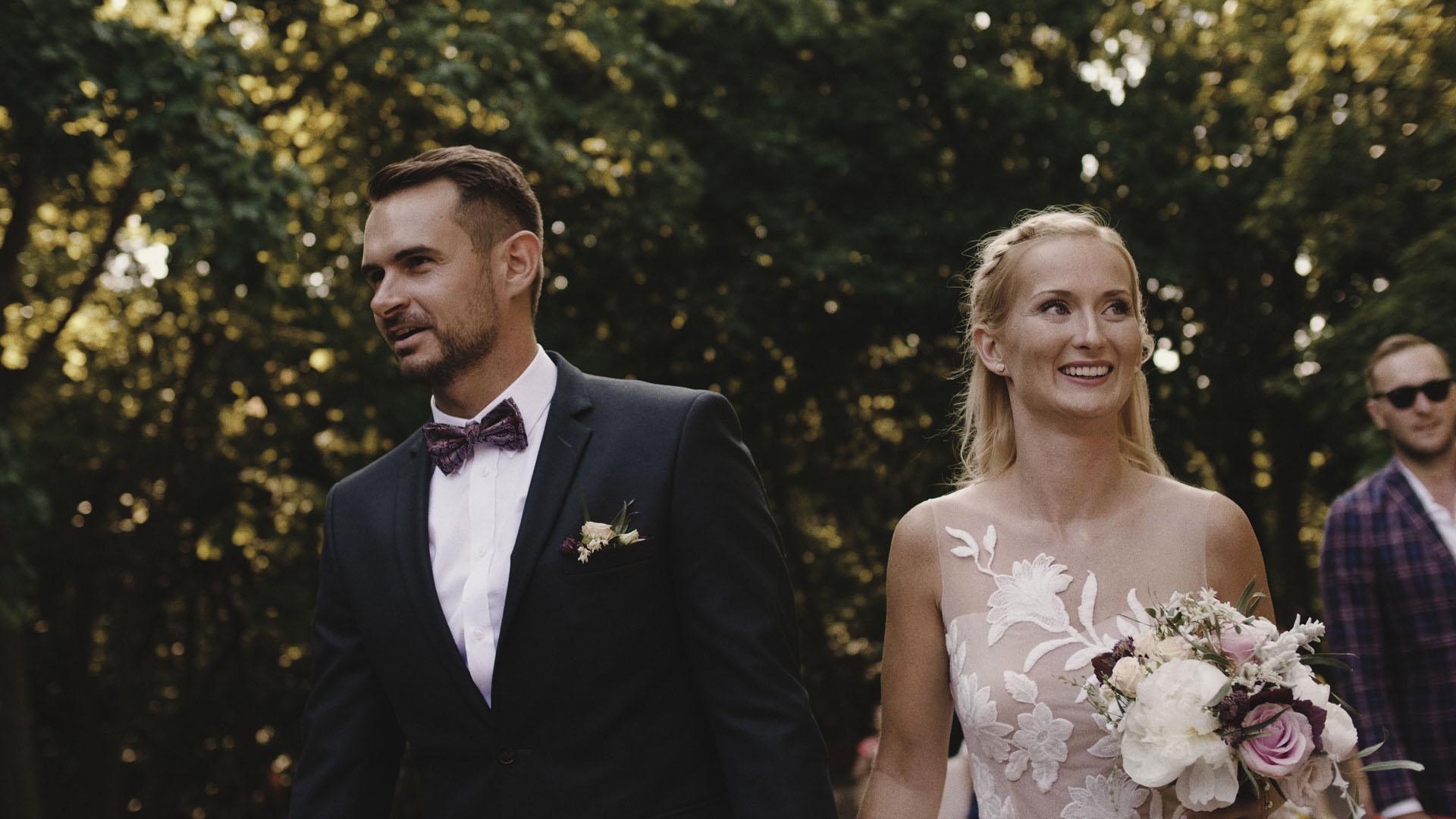33 para młoda film ślubny kamerzysta