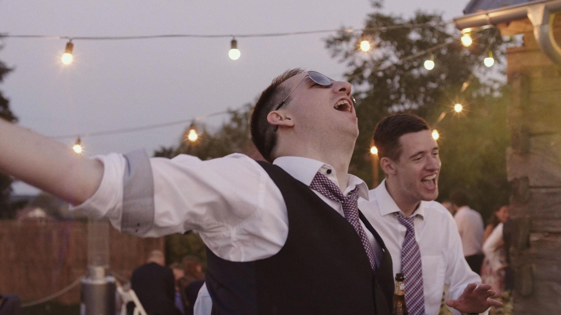 110 folwark ruchenka stodoła wesele ślub humanistyczny. film ślubny