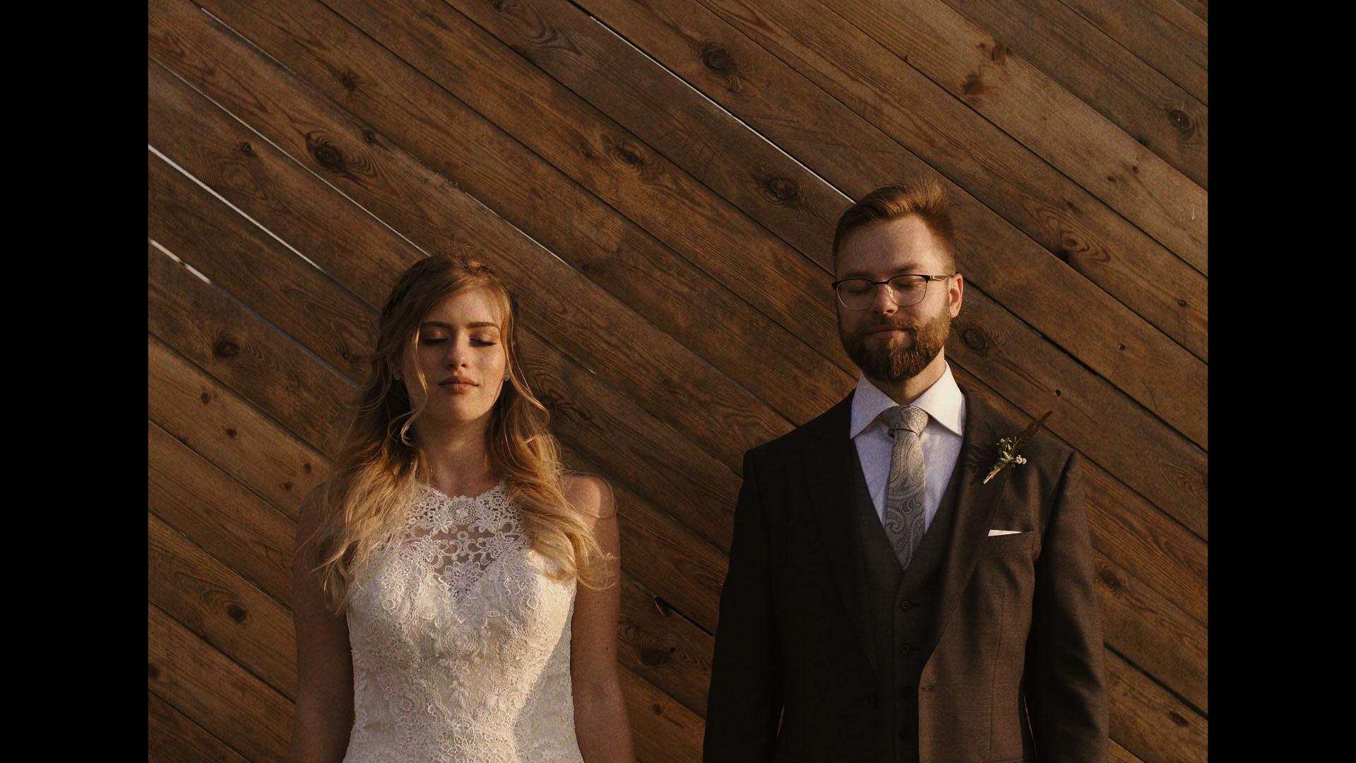 19 folwark ruchenka stodoła wesele ślub humanistyczny. film ślubny
