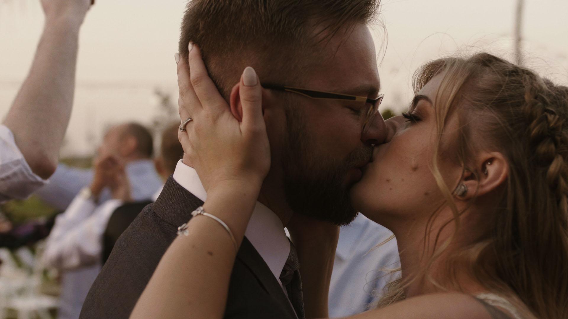 27 folwark ruchenka stodoła wesele ślub humanistyczny. film ślubny