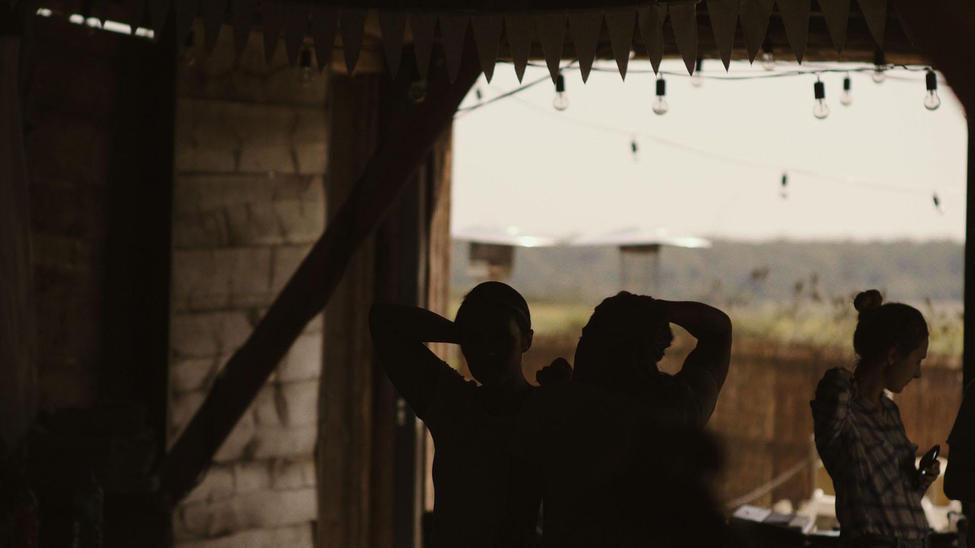 54 folwark ruchenka stodoła wesele ślub humanistyczny. film ślubny