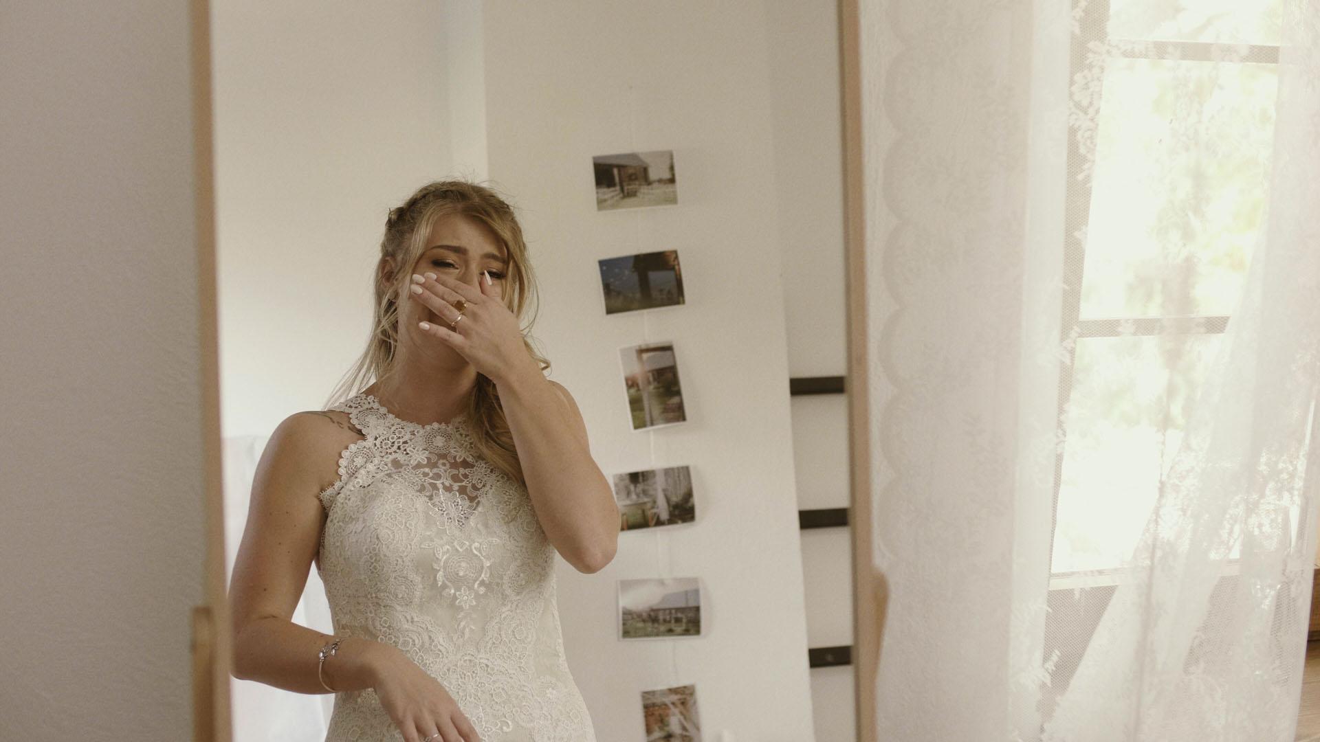 57 folwark ruchenka stodoła wesele ślub humanistyczny. film ślubny łzy wzruszenia kamerzysta