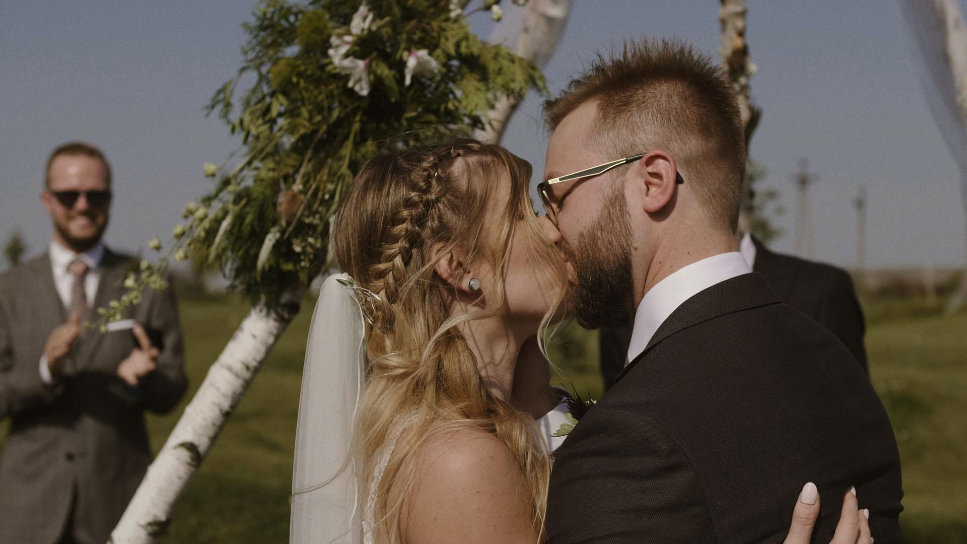 80 folwark ruchenka stodoła wesele ślub humanistyczny. film ślubny