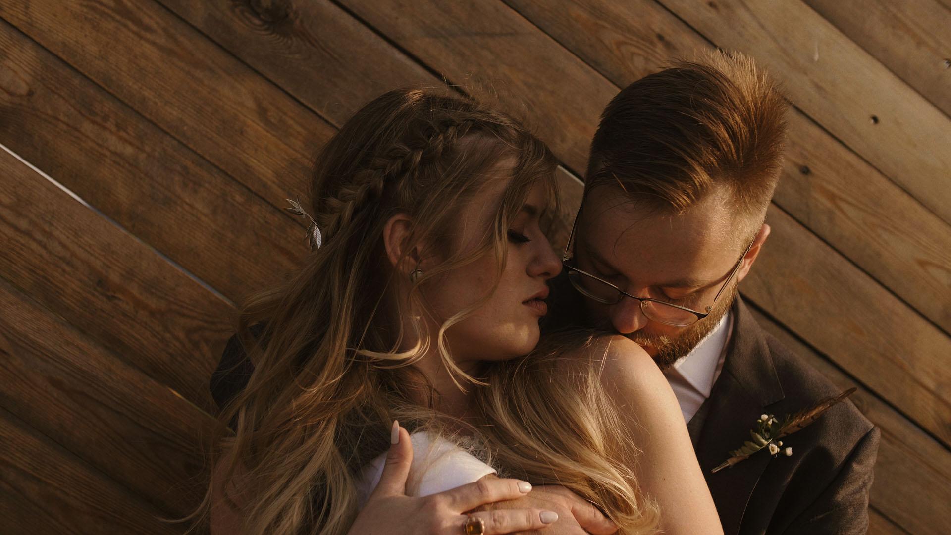 86 folwark ruchenka stodoła wesele ślub humanistyczny. film ślubny