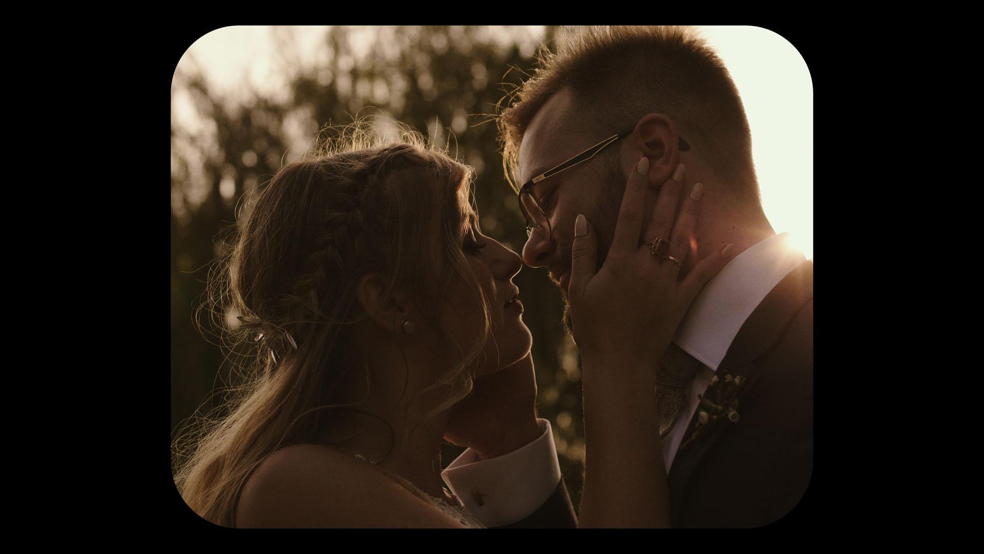 9 folwark ruchenka stodoła wesele ślub humanistyczny. film ślubny