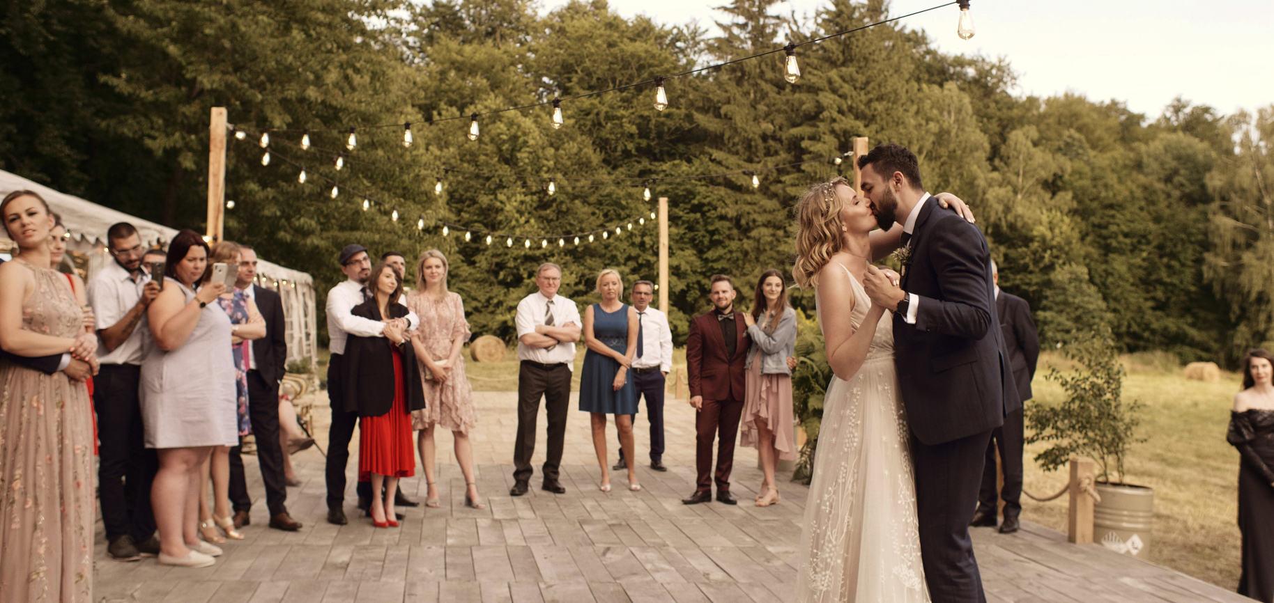 dwór dawidy ślub w plenerze ślub humanistyczny własne przysięgi wesele film ślubny